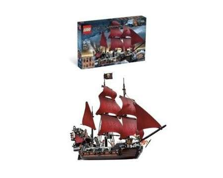 LEGO® Pirates of the Caribbean Queen Anne's Revenge